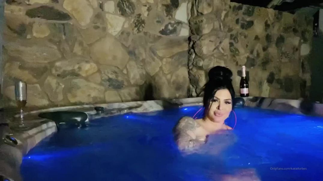 Katie Forbes Nude Hot Tub Fun Video Leaked